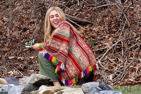 Miley Cyrus on the set of new woody Allen film