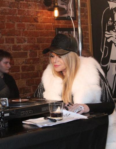 Юлия Началова экспериментирует со стилем