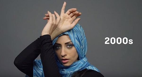 Как менялся образ женщин Египта за последние 100 лет: тенденции моды в двух минутах