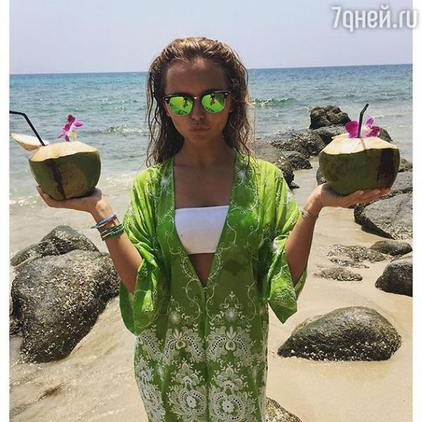 Стеша Маликова проводит каникулы в Таиланде