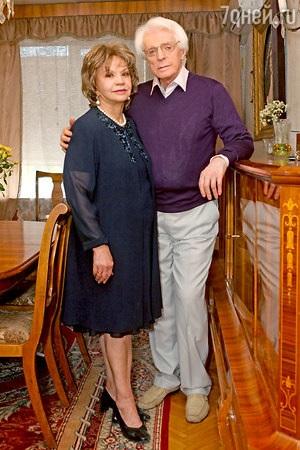 Александр и Екатерина Стриженовы обновляют гардероб Лионеллы Пырьевой