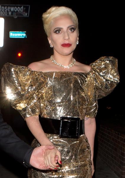 Леди Гага встретила 30-летие в безвкусном платье