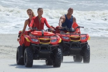 """Magnificent six: the first promocut new """"Baywatch"""""""