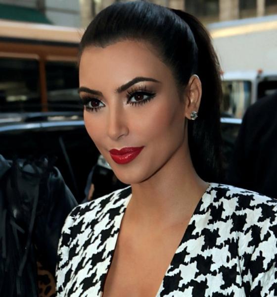 Ким Кардашьян и Эмили Ратажковски выложили в сеть пикантное селфи