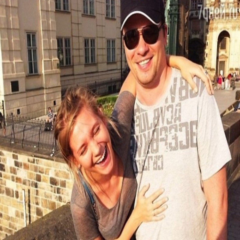 Муж трогательно поздравил Кристину Асмус с днем рождения