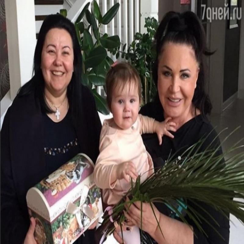 Надежда Бабкина впервые показала младшую внучку
