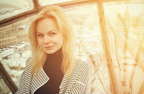 Экс-вокалистка «Ленинграда» разочаровала фанатов сольным клипом