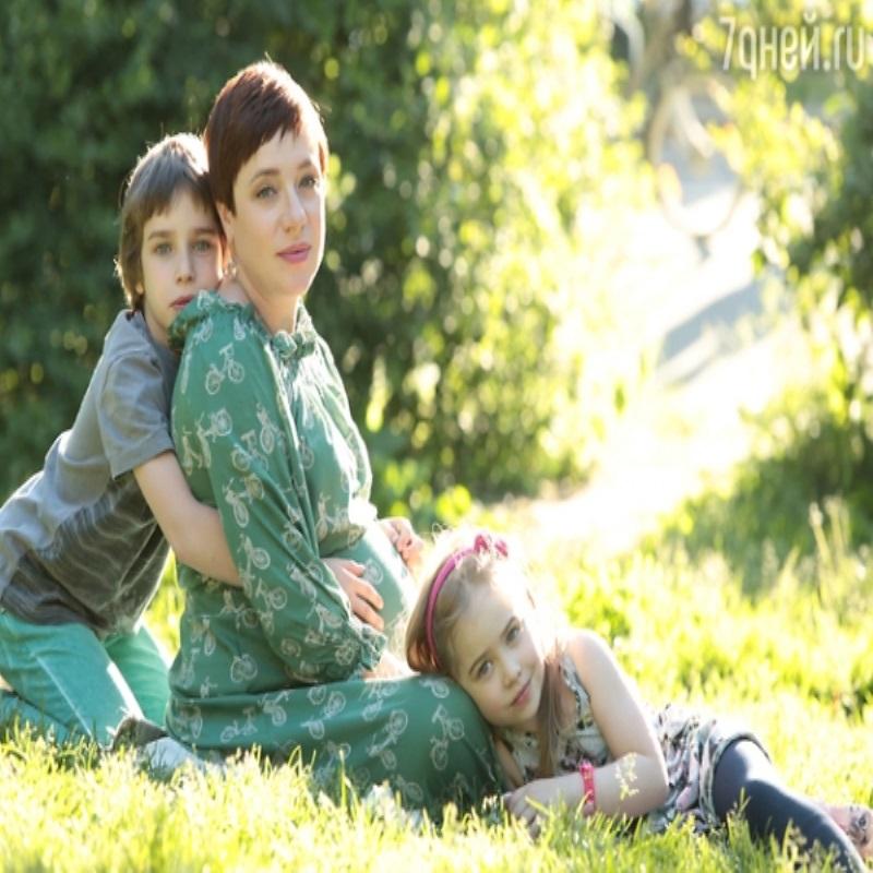Тутта Ларсен призналась, что старший сын родился по ее просьбе