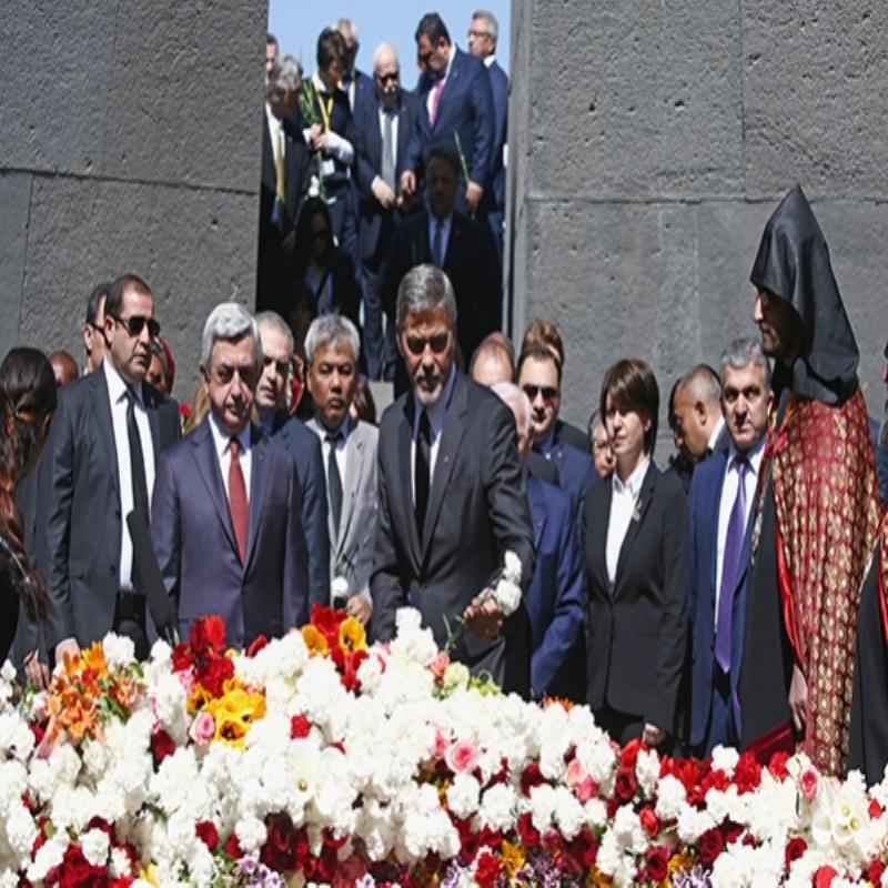 Джордж Клуни почтил память жертв геноцида в Армении