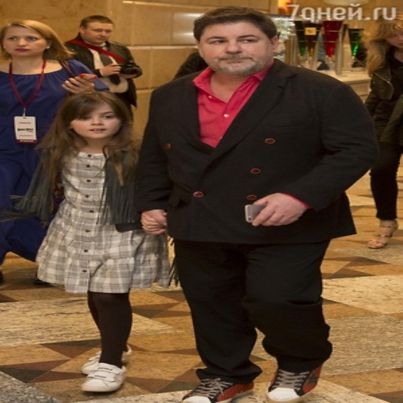 Александр Цекало показал подросших сына и дочь