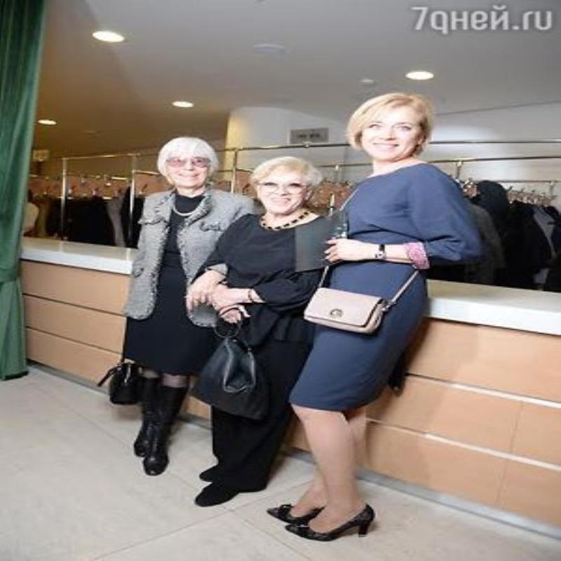 Алиса Фрейндлих приехала на «Нику» с вдовой Эльдара Рязанова
