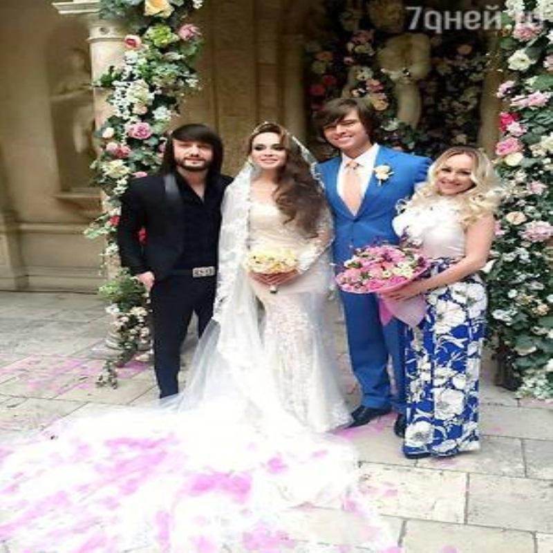 Прохор Шаляпин перенес свадьбу