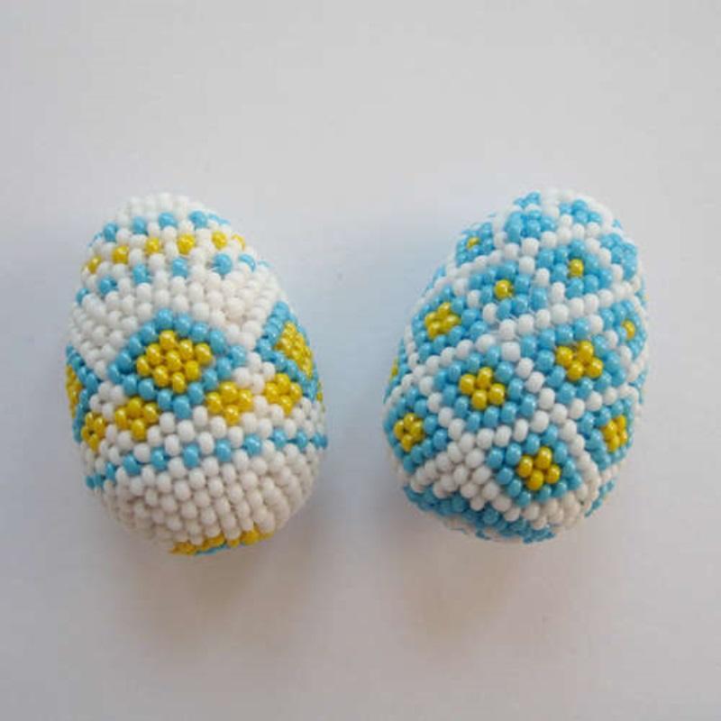 Поделки кПасхе: оплетение яиц бисером