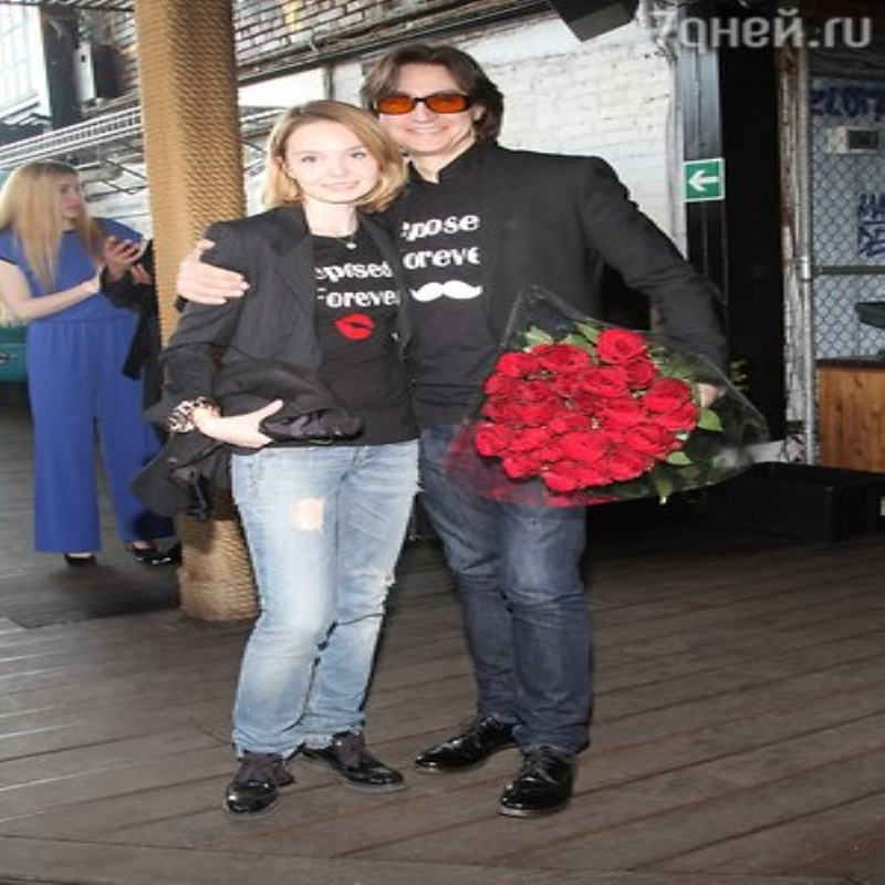 Юля Волкова вывела в свет повзрослевшую дочь
