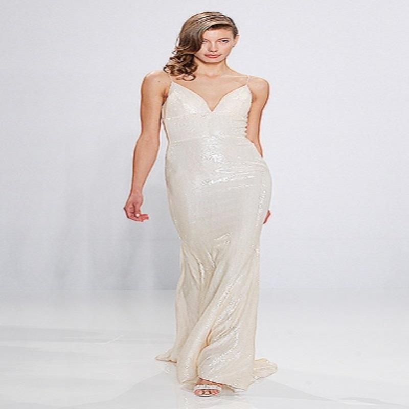 Лучшее с Недели свадебной моды в Нью-Йорке: традиционная фата, открытые плечи и черный цвет