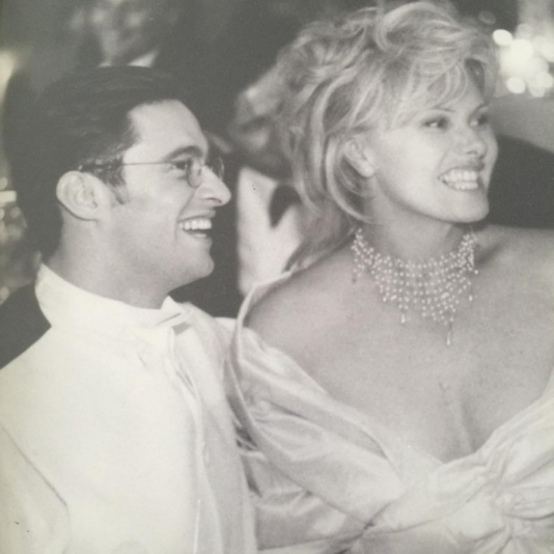 Хью Джекман показал свадебное фото в честь 20-летней годовщины