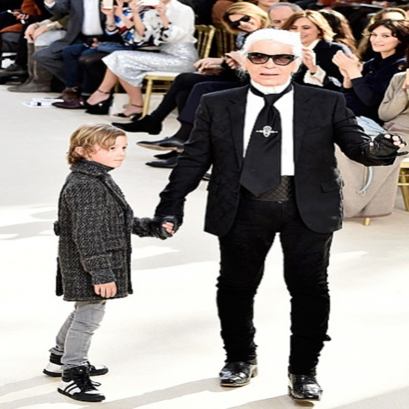 В Chanel опровергли слухи об уходе Карла Лагерфельда