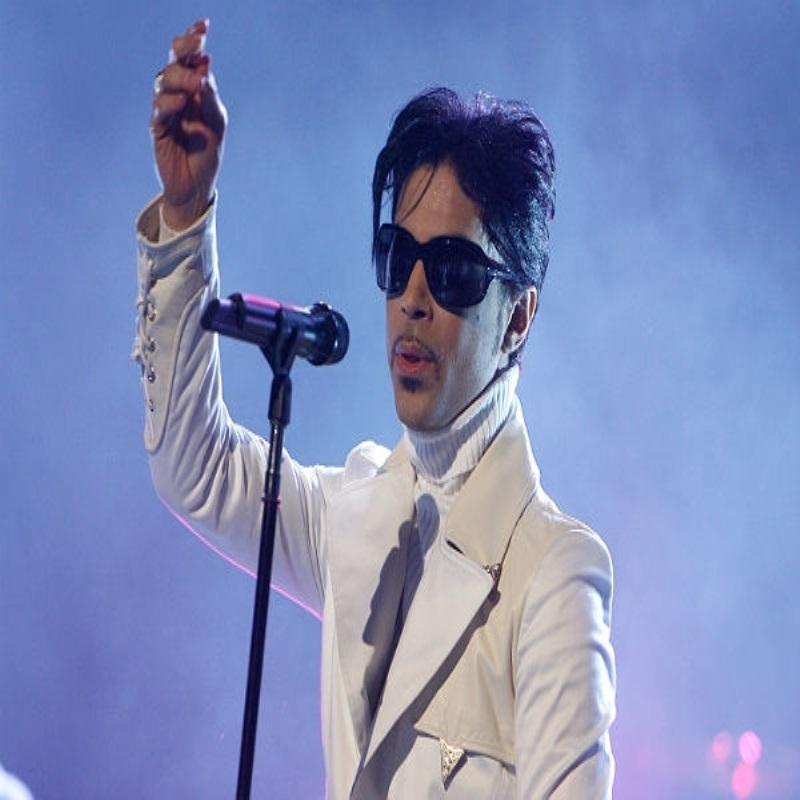 Певец Принц экстренно госпитализирован после концерта