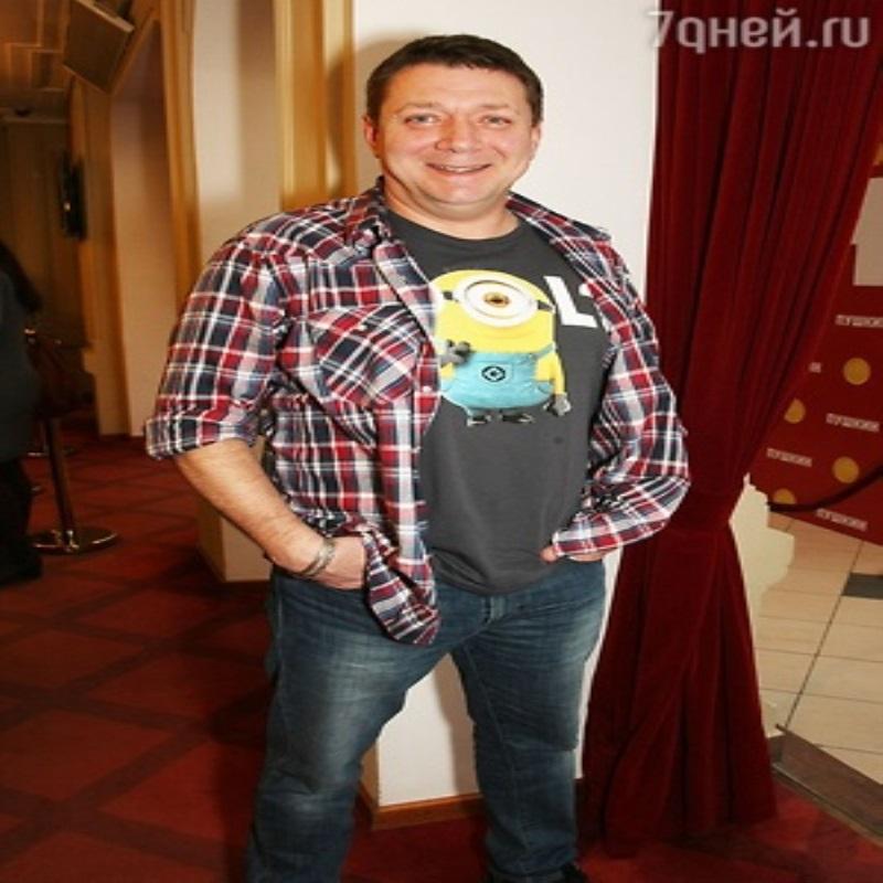 Партнера Светланы Устиновой привозят на площадку из тюрьмы