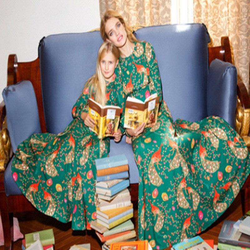 Наталья Водянова представит одежду для мам и дочек