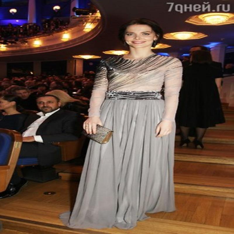 Юлия Пересильд потрясла коллег эксцентричными нарядами