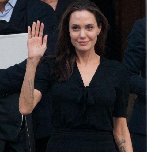 Западная пресса приписала Анджелине Джоли смертельную болезнь