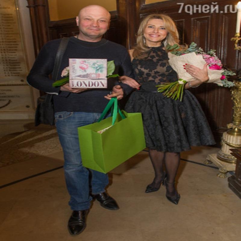 Екатерине Архаровой признались в любви на глазах у ее родителей