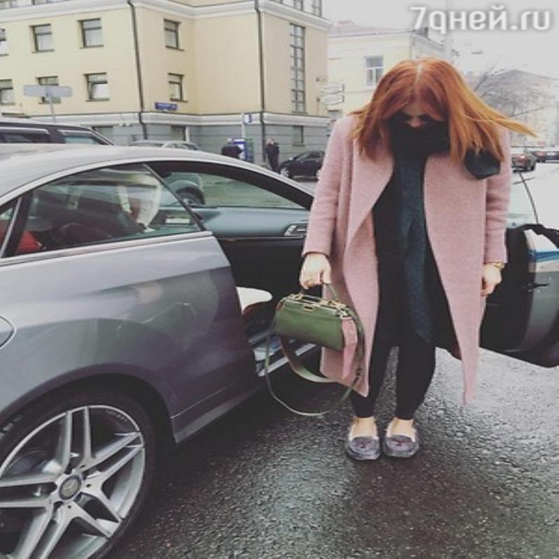 Анастасия Стоцкая попала в аварию
