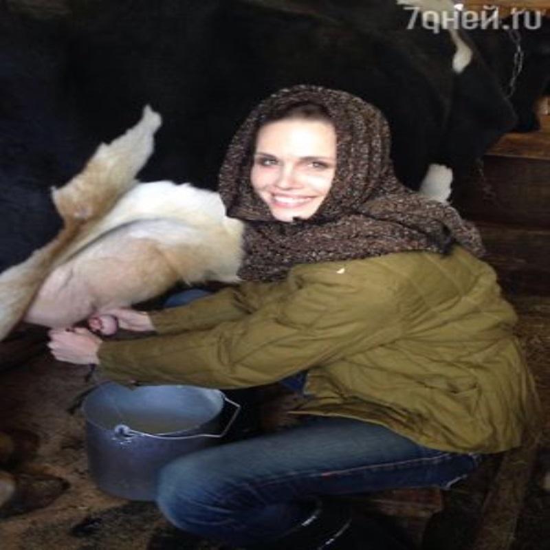 Наталия Лесниковская освоила профессию доярки