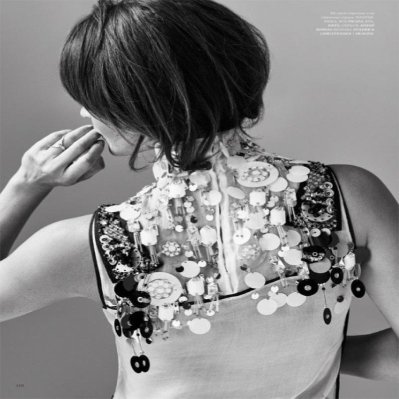 Хелена Кристенсен снялась для обложки Harper's Bazaar
