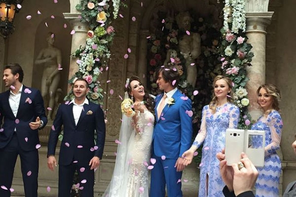 Шаляпин и Калашникова отменили апрельскую свадьбу