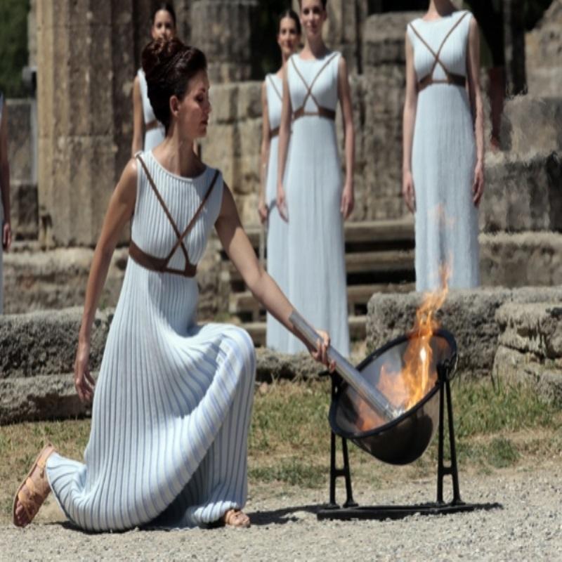 Олимпийские игры-2016: в Греции зажгли олимпийский огонь