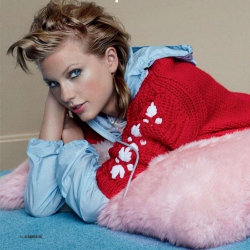 Тейлор Свифт украсила обложку русского Glamour