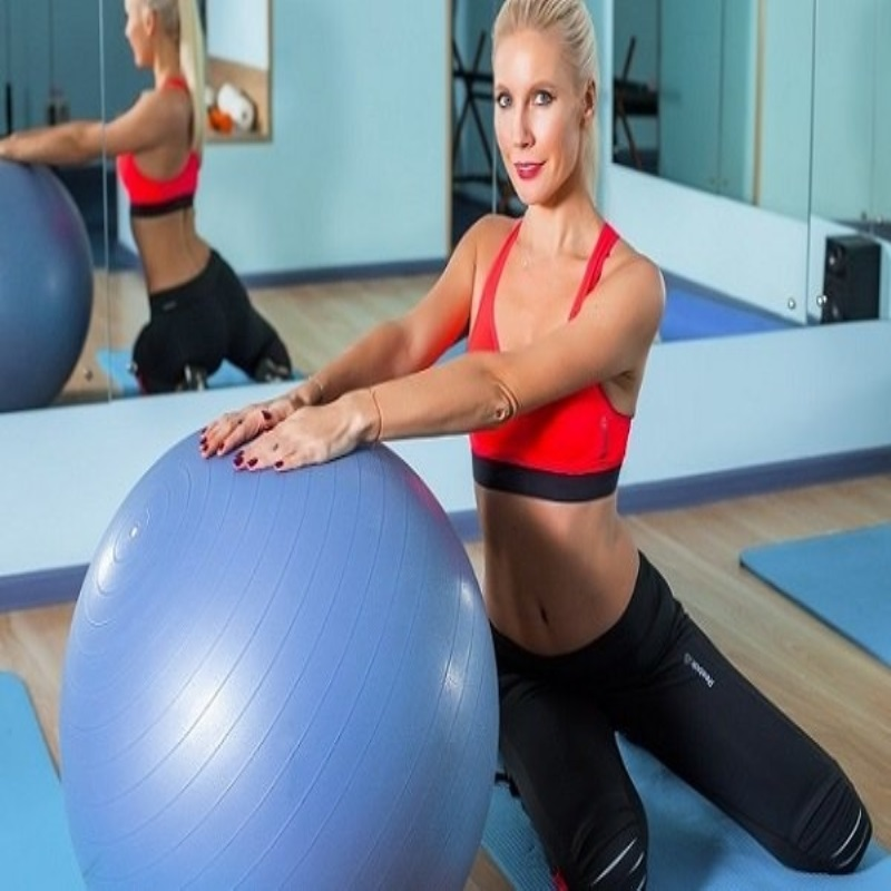 Лена Летучая откроет сезон занятий фитнесом «Стань человеком вместе со звездами!»