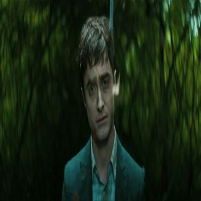 Дэниел Рэдклифф в роли трупа в трейлере «Перочинного человека»