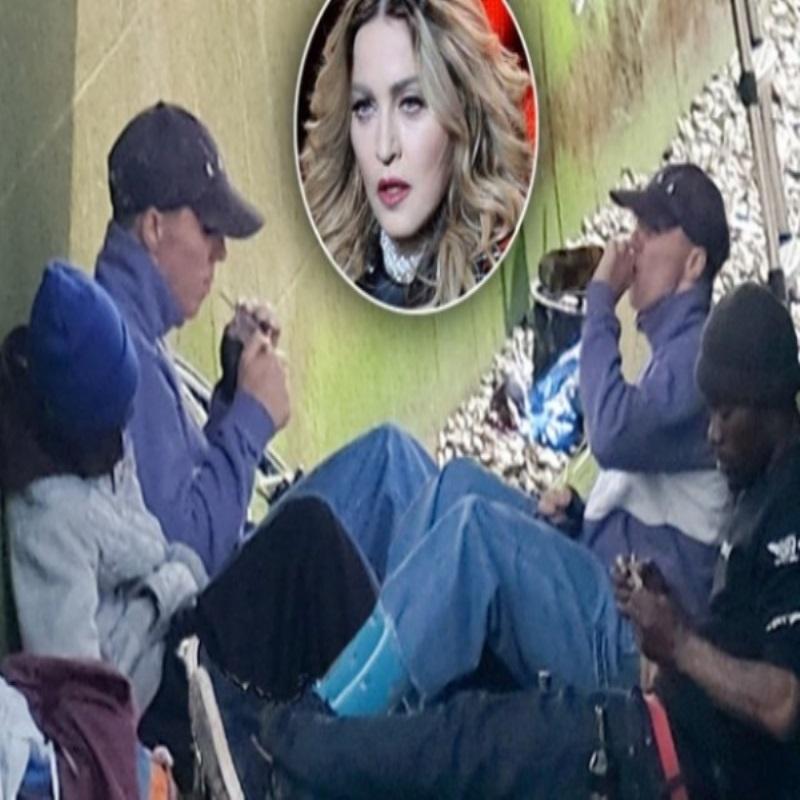 Сын Мадонны прогуливает школу, курит и употребляет алкоголь