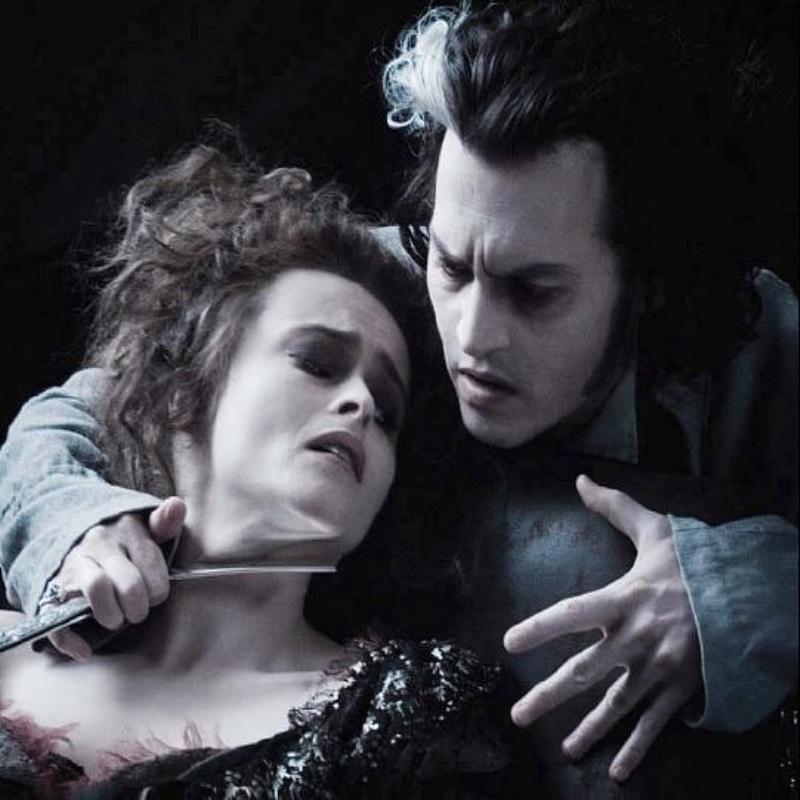 Во время мюзикла «Суини Тодд» в Новой Зеландии двум актёрам всерьёз перерезали горло