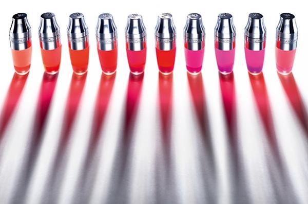 Shake it: Лили Коллинз и Люпита Нионго представлют Juicy Shaker от Lancôme