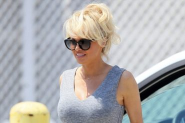 "Pamela Anderson on the set of the new ""Baywatch"": the photo from the site"