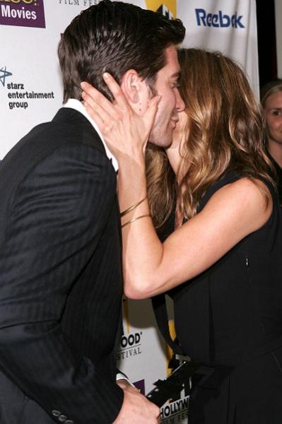 Дженнифер Энистон прокомментировала слова Джейка Джилленхола о влюбленности в нее