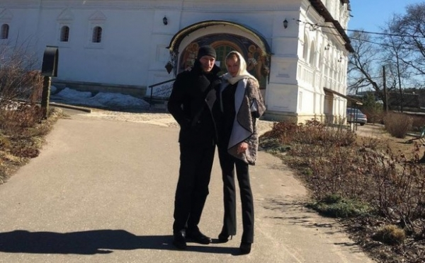 Анастасия Волочкова сходила в храм с новым возлюбленным