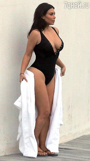 Ким Кардашьян похвасталась преобразившейся фигурой