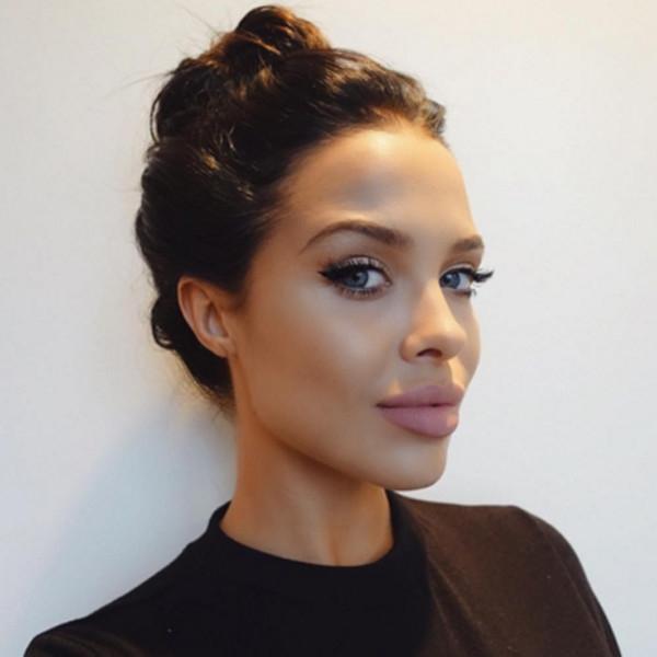 В Америке набирает популярность модель, похожая на Джоли