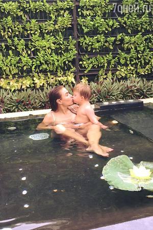 Блёданс подарила сыну день рождения в Таиланде