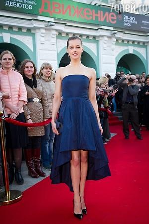 Равшана Куркова и Катерина Шпица поразили нарядами на открытии кинофестиваля