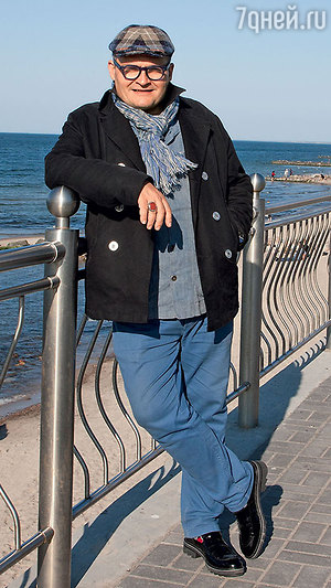 Александр Васильев: «Резиновые сапоги и рваные джинсы не сочетаются с образом кинозвезды»
