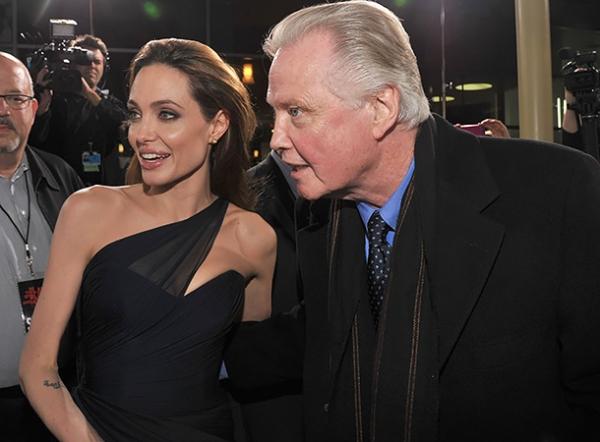 Анджелина Джоли не принимает отцовскую помощь, чтобы поправиться