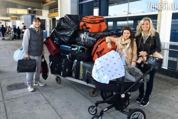 Юдашкина вернулась в Москву с новорожденным сыном