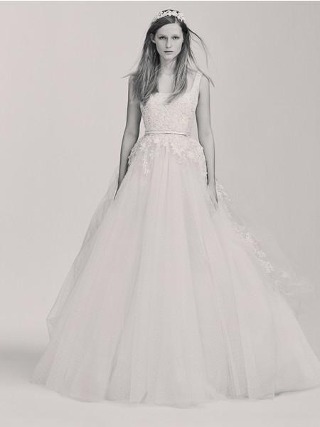 Elie Saab выпустил первую свадебную коллекцию