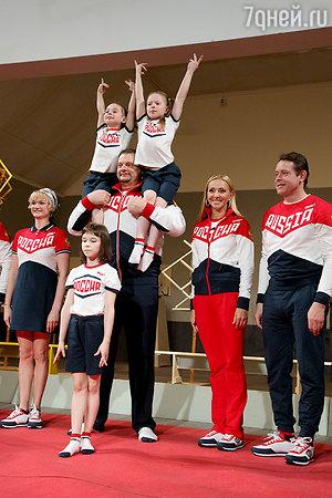 Татьяна Навка представила новую олимпийскую форму